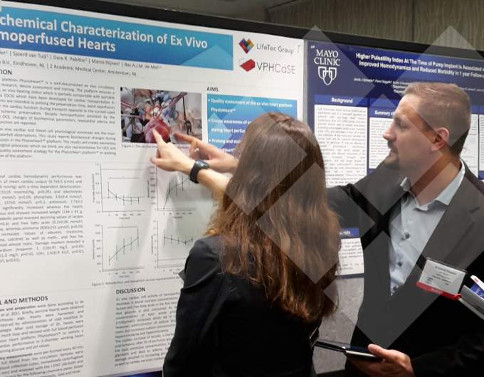 LifeTec Group | ASAIO 2018, Washington | Benjamin Kappler explaining, in front of her poster